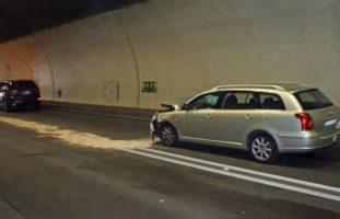 Buchrain LU - Zwei Verletzte nach Auffahrunfall im Tunnel