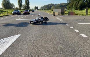 Motorradlenker bei Unfall in Hendschiken verletzt