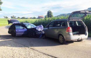 Aadorf TG - Mehrere Verletzte bei Frontalcrash