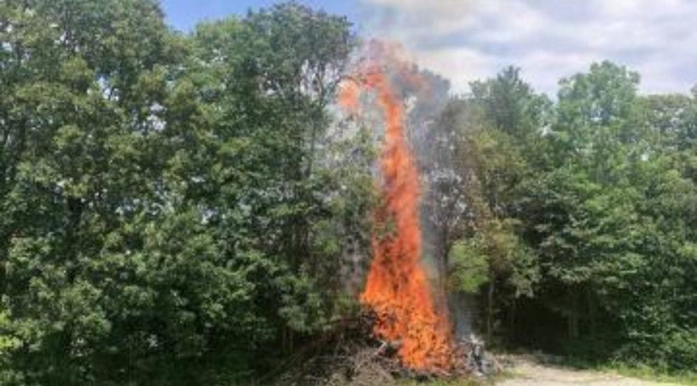 St.Ursen, Promasens, Semsales FR - Brände fordern Feuerwehr