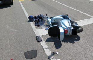 Rollerfahrer bei Unfall in Pratteln schwer verletzt