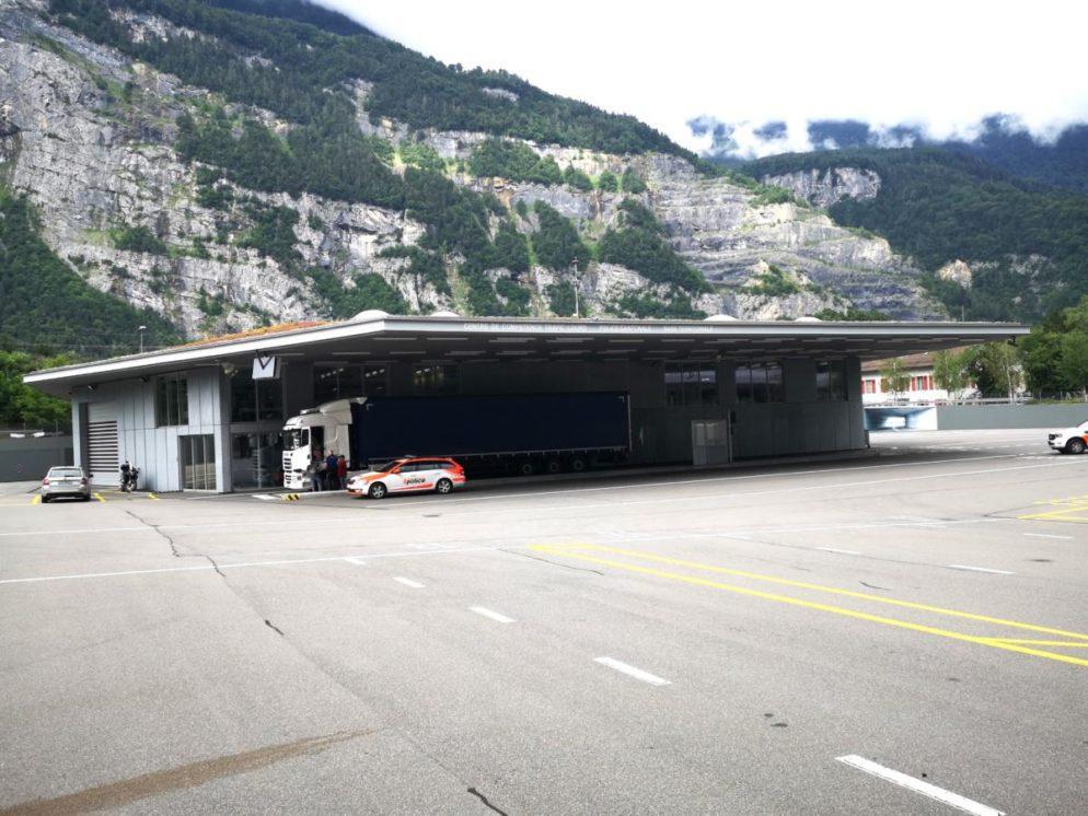Mehrere Lastwagen in St.Maurice stillgelegt