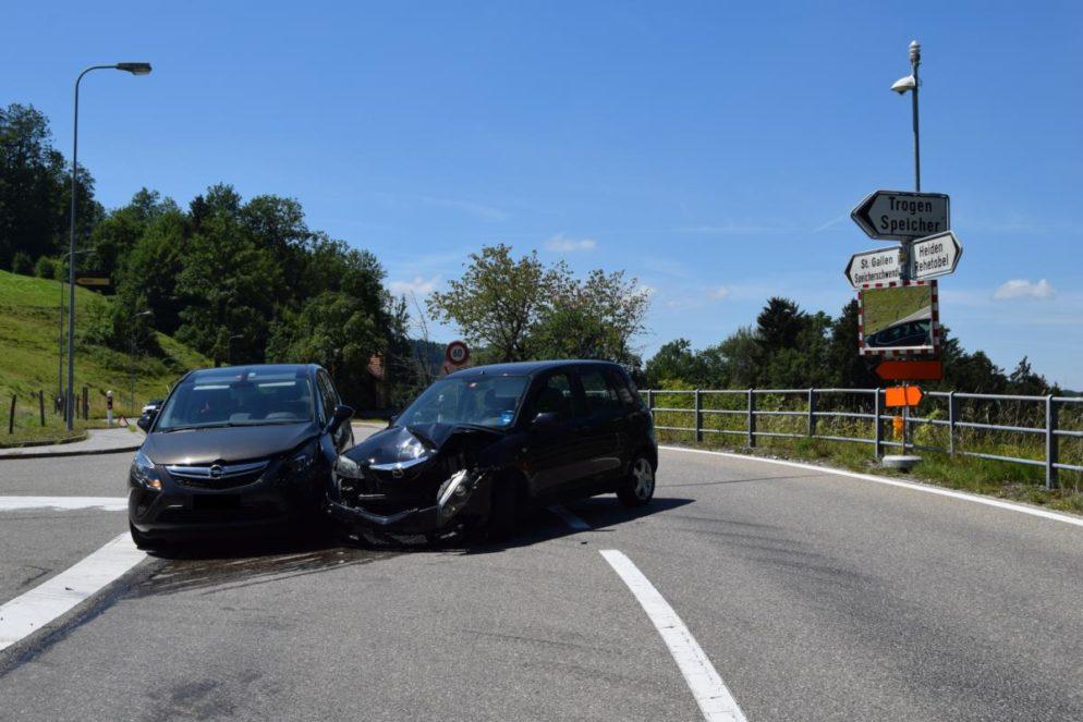 Erheblicher Sachschaden nach Verkehrsunfall in Speicherschwendi