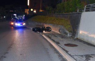 Motorradlenker nach Unfall in Düdingen schwer verletzt