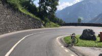 Mehrere Unfälle Glarus GL - Velofahrer prallt heftig in Auto