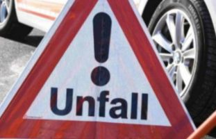 Ebikon LU - BMW-Fahrer begeht Unfallflucht
