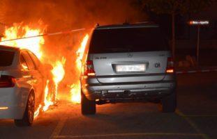 Zwei Fahrzeuge in Solothurn in Brand geraten