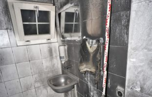 Glarus GL - Öffentliche Toilette abgebrannt
