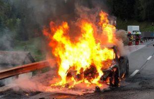 Fahrer erleidet Verbrennungen bei Autobrand auf A29 / Mulegns GR