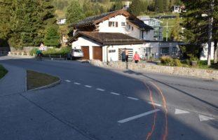 Unfall Davos GR - Einem Jungen ausgewichen und mit Mauern kollidiert