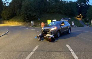Crash zwischen PW und Motorroller in Neuhausen am Rheinfall
