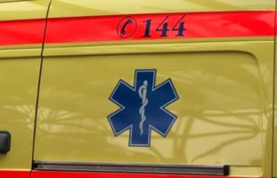 Verletzter E-Scooterfahrer bei Unfall mit Auto in Buochs NW