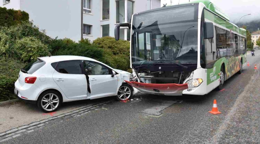 Unfall Bus Auto