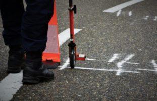 Amriswil TG - Rollerlenkerin (20) auf nasser Fahrbahn gestürzt