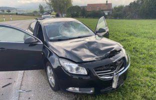 Ecuvillens FR - Motorradfahrer (14) nach Unfall schwer verletzt