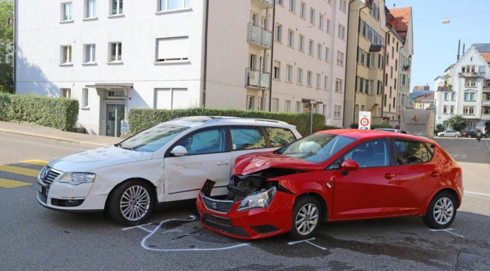 Crash zwischen zwei Autos in St.Gallen