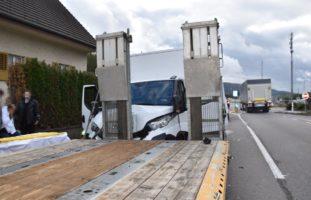 Unfall in Gretzenbach SO - Zwei Verletzte und Sachschaden