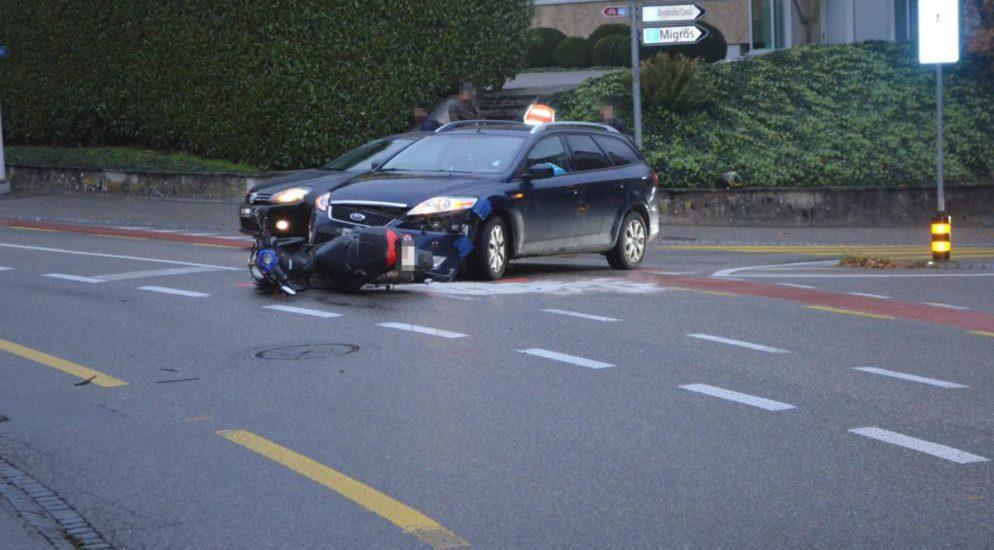 Unfall zwischen Rollerfahrerin und Auto in Grenchen