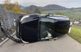 Spektakulärer Unfall in Oberdorf BL