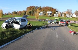 Unfall in Wetzikon ZH fordert zwei Schwerverletzte