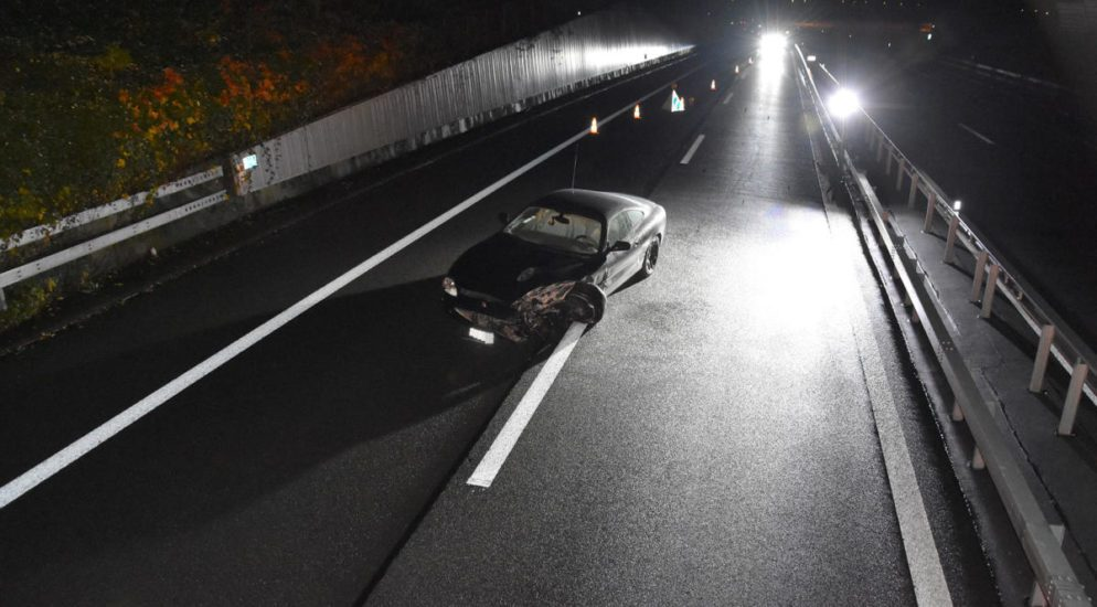 Fahrzeug nach Unfall in Buochs auf der Autobahn zürückgelassen