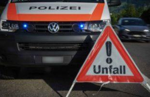 Unfall zwischen zwei Autos in Rickenbach LU