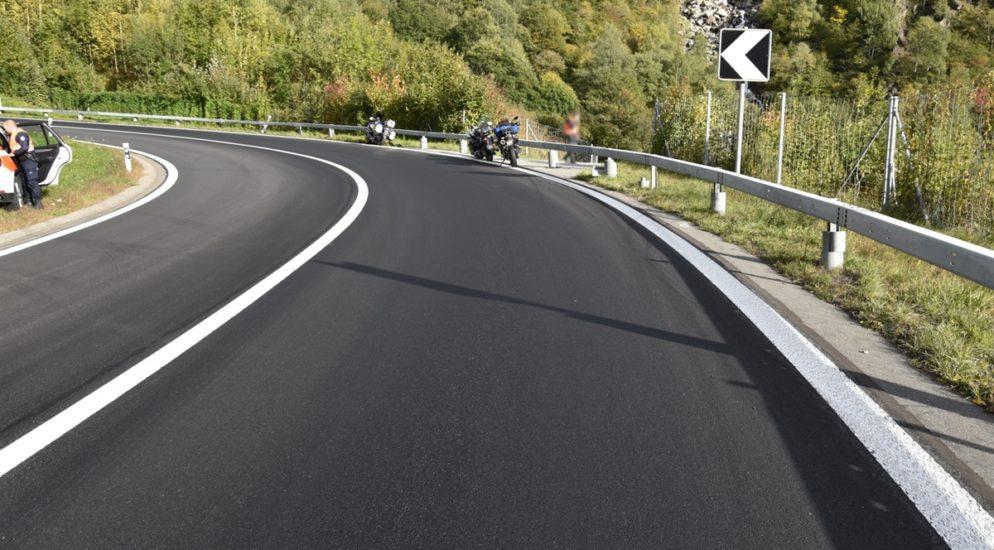 Motorradlenker wegen Ölspur in Mesocco verunfallt