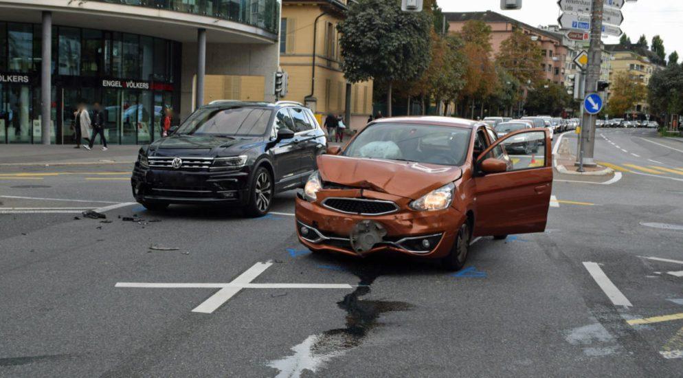 Nach Unfall in Luzern: Lenker eines grauen Seat Ibizas gesucht