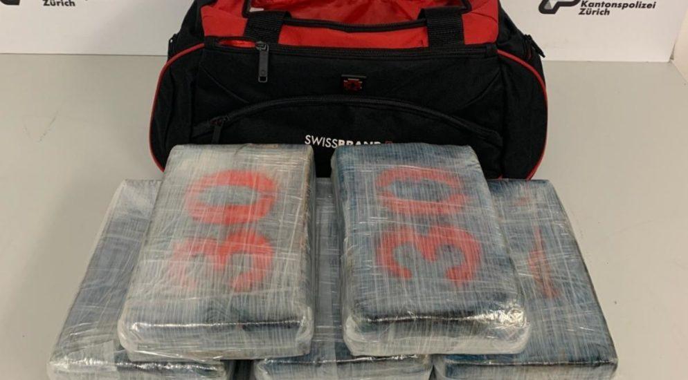 Drogenkurier im Flughafen Zürich verhaftet