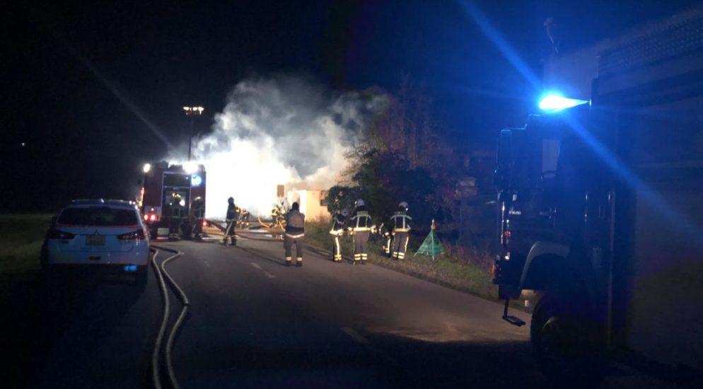 Container in Sitten in Brand geraten