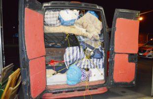 Stark überladenen Lieferwagen in Stans NW aus Verkehr gezogen