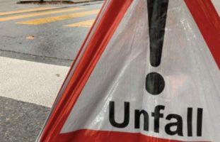 Unfall zwischen PW und Velofahrer in Basel