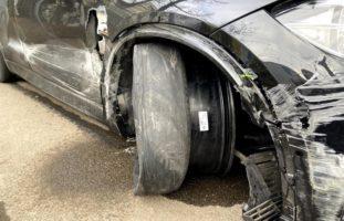 Trotz Sicherheitslinie überholt und Unfall gebaut