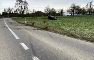 Bei Selbstunfall in Bernhausen mit Auto überschlagen