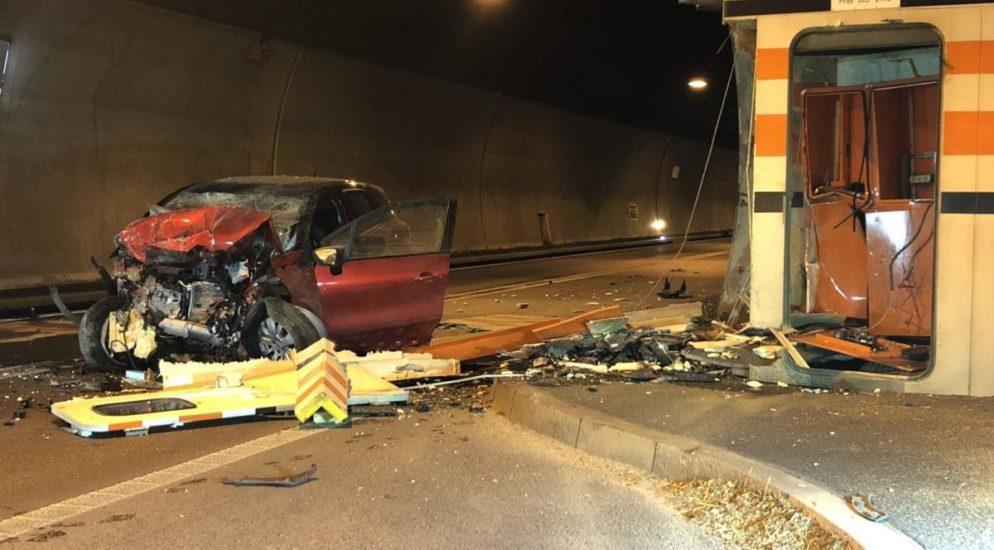 Autobahn A18: Tödlicher Unfall im Eggfluetunnel