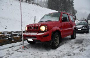 Chur GR - Unfall auf schneebedeckter Strasse