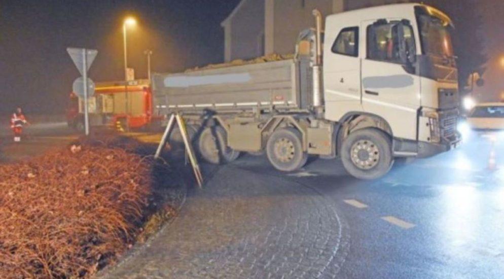 Frau wird in Neukirch TG von LKW erfasst und stirbt an Unfallstelle
