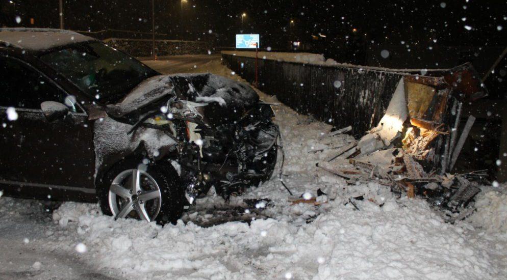 Appenzell: Selbstunfall auf schneebedeckter Fahrbahn