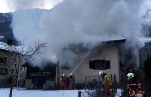 Hätzingen: Einfamilienhaus in Flammen