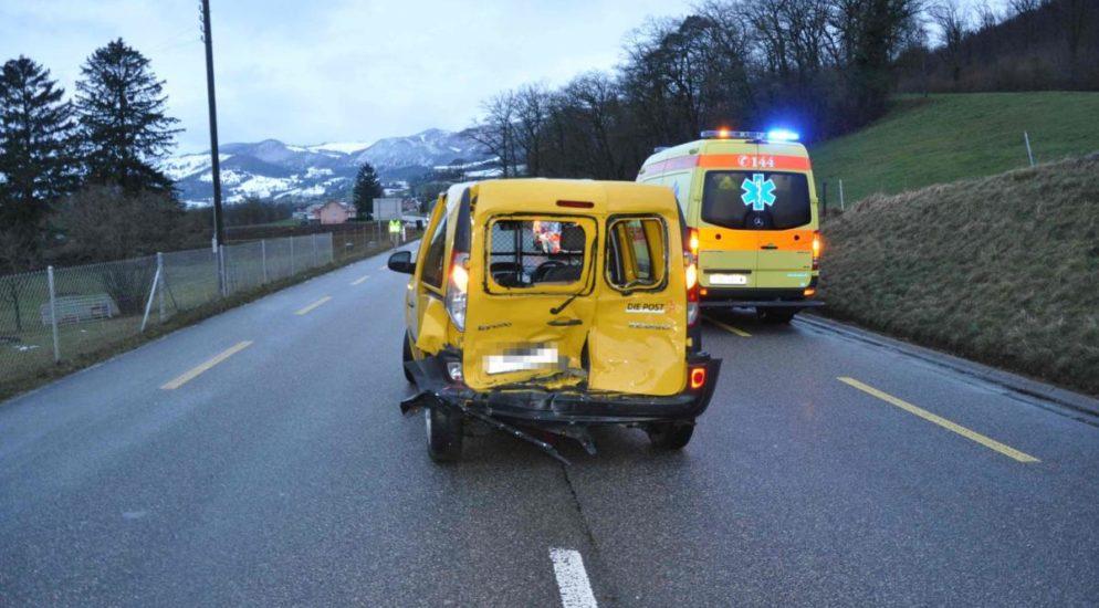 Heftiger Unfall zwischen zwei Lieferwagen in Laupersdorf SO