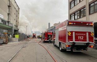 Muttenz BL - Feuer wütet in Autowerkstatt
