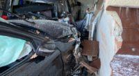 22-Jähriger bei Verkehrsunfall in Brugg mit Garage kollidiert