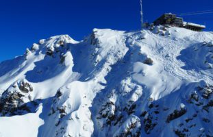 Verbier: Mehrere Skifahrer von Lawine erfasst: ein Todesopfer