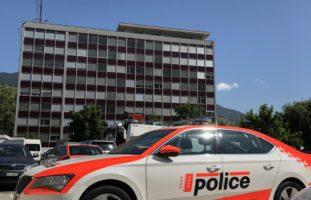 Sitten: Jugendlicher klaut Fahrzeug und flüchtet vor Polizei