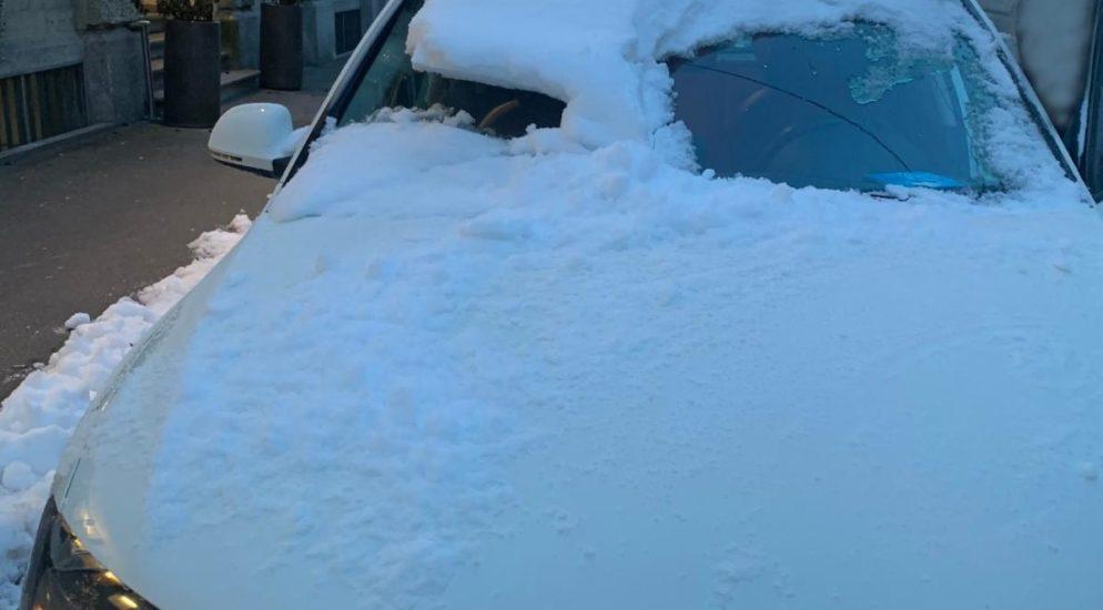 Luzern - Mit vereisten oder verschneiten Autoscheiben unterwegs