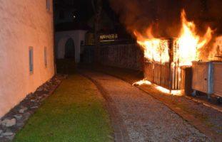 Brand in einem Abfallunterstand in Stans