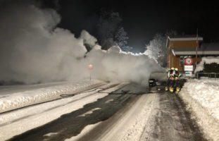 Fahrzeug in Niederuzwil in Brand geraten