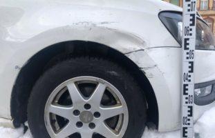Erhebliche Beschädigungen an drei Fahrzeugen