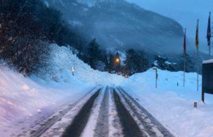 Kanton Uri - Strassen wegen Lawinengefahr gesperrt