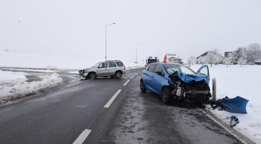 Crash zwischen zwei Autos in Kottwil